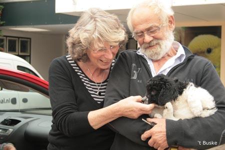 Bep en Cees met Djurre (Perkins) Hij gaat vlak bij zijn vader wonen in Sondel