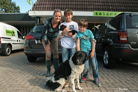 Inky (Imke) gaat naar Ressen bij Nijmegen waar Brenda en haar gezin haar nieuwe baasjes worden