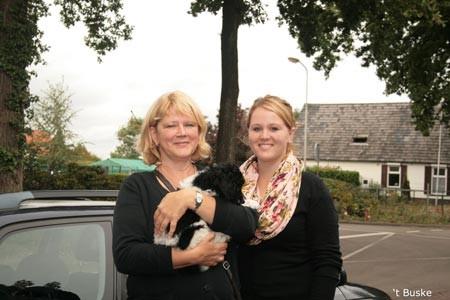 Roos blijft echt dichtbij. Ze gaat een paar kilometer verderop wonen in Westervoort bij Karin en Ton en hun gezin