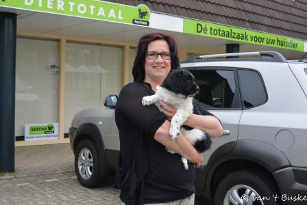 Het mandje van Drys staat in Rhenen bij Jolanda en haar man en 3 kinderen.